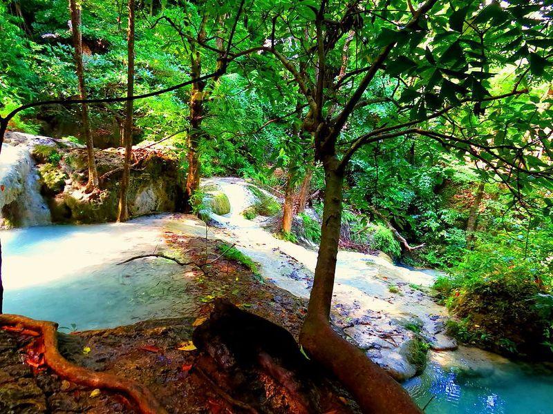 タイ「エラワン国立公園」で7つの滝巡り!カンチャナブリ「エラワン滝」を楽しもう