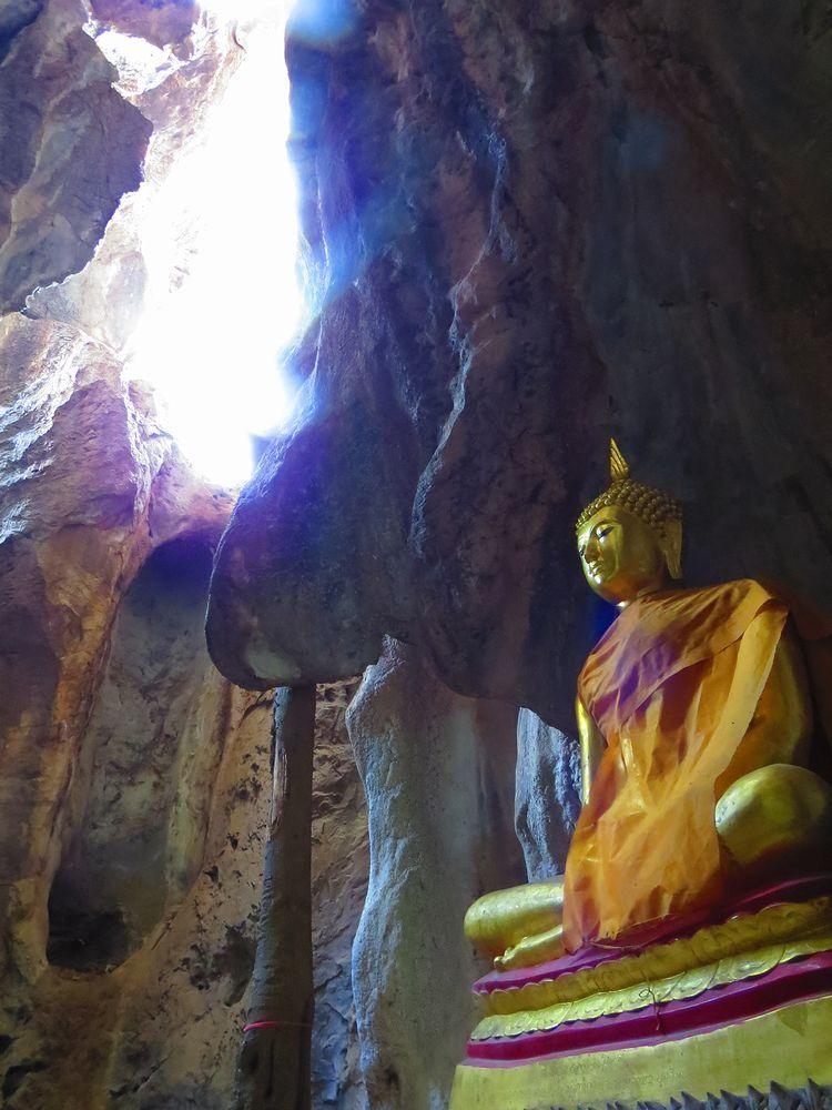 10.カオ・ヨイ洞窟寺院