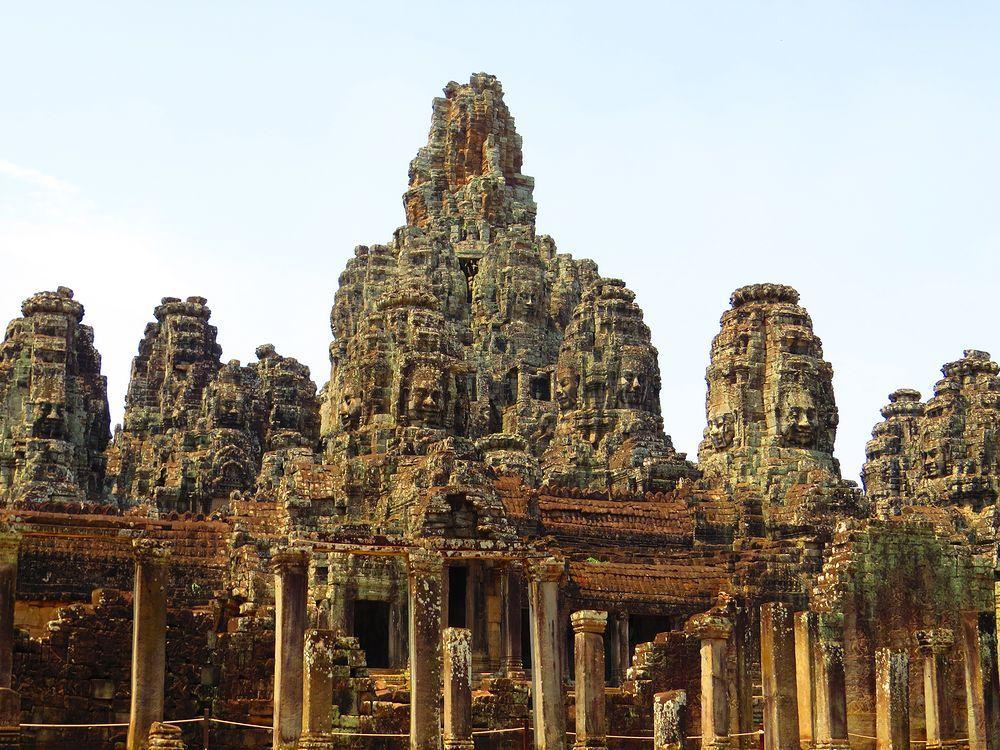 バイヨン(Bayon)寺院とは