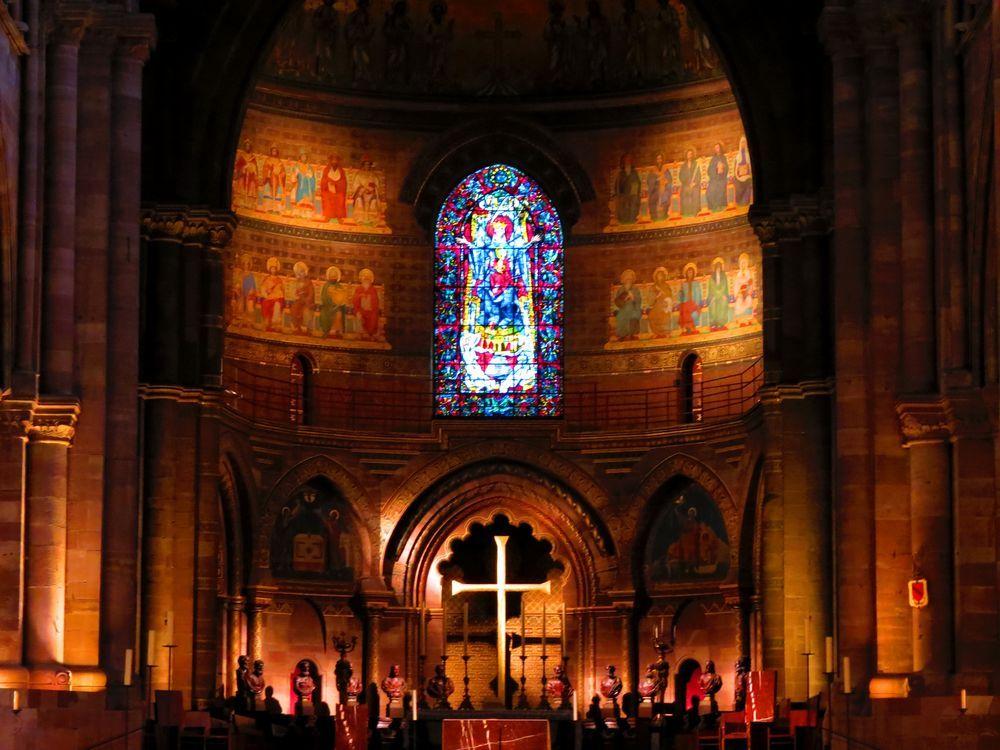 美しき聖堂内部
