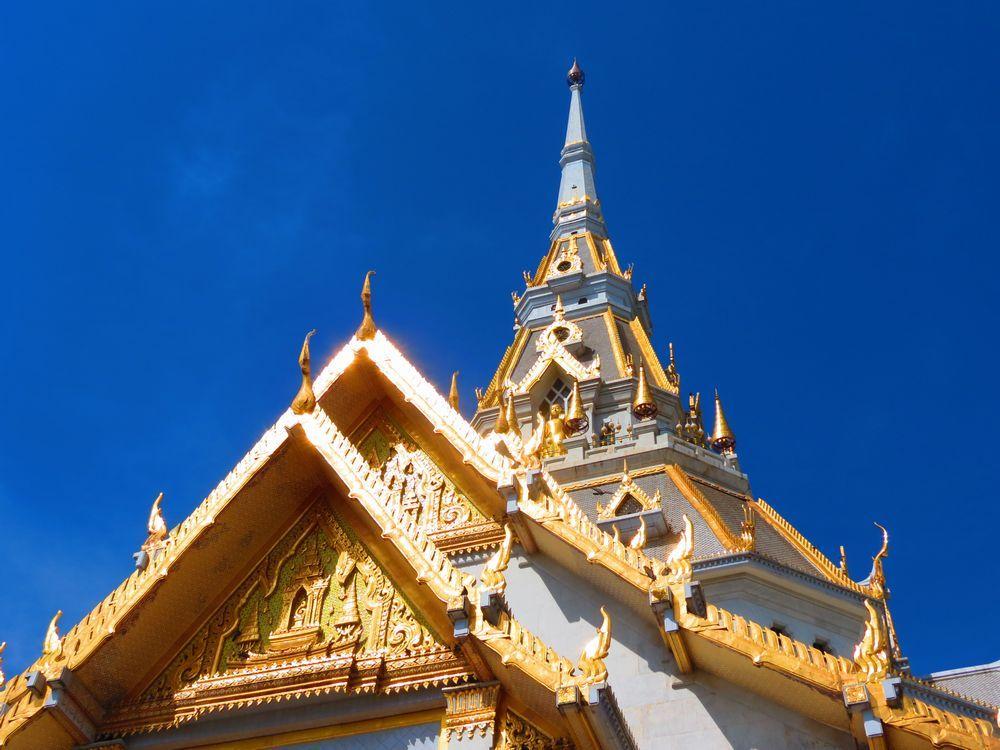 ワット・ソートーンは世界一大きく、タイで二番人気のお寺