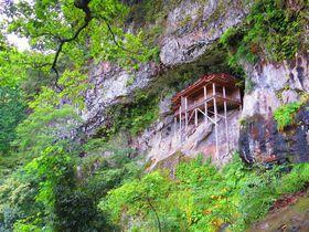 鳥取の三佛寺「投入堂」は日本で最も危険な場所の国宝|鳥取県|トラベルjp<たびねす>