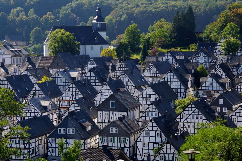 白と黒の町並みが美しい!ドイツ・フロイデンベルク まるで童話の中からぬけ出したような中世の風景