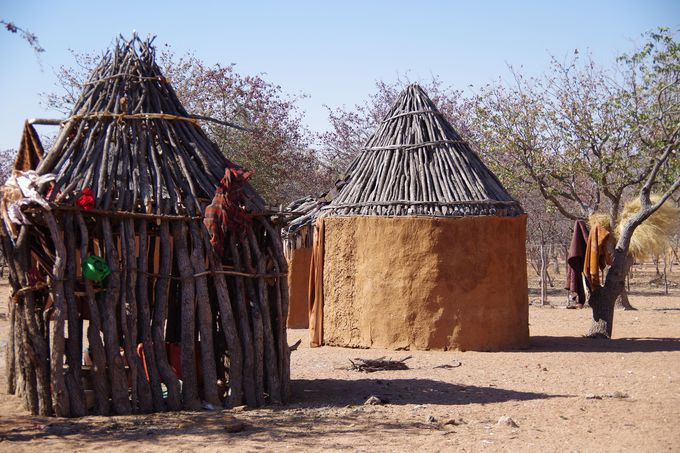 「ヒンバ族」の孤児を保護するために作られた村