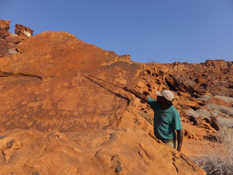 ナミビア初の世界遺産「トゥエイフェルフォンテン」ブッシュマンが残したロックアート