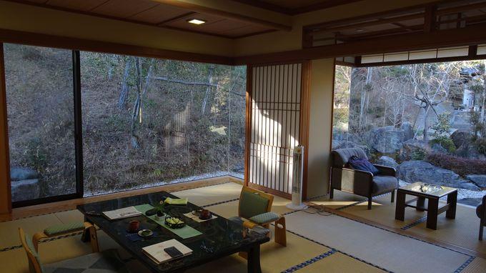 新館の湯茶寮山水で四季折々の自然を感じよう