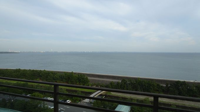 伊勢湾が一望、天気が良ければ中部国際空港も見える海側の部屋