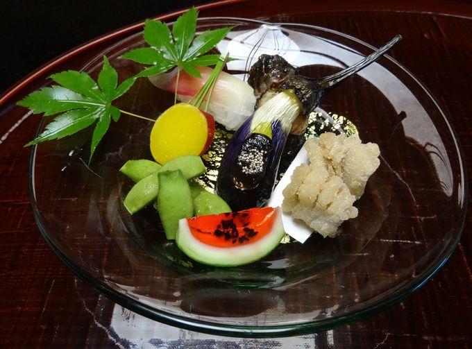 四季折々の食材を使った季節感を演出する本格懐石