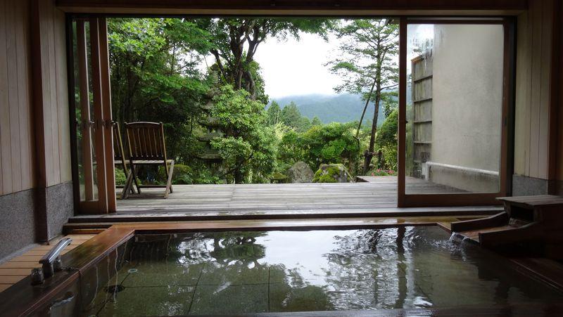箱根仙石原に佇む6室の隠れ宿「いちい亭」で本格懐石と歴史の温泉を嗜む