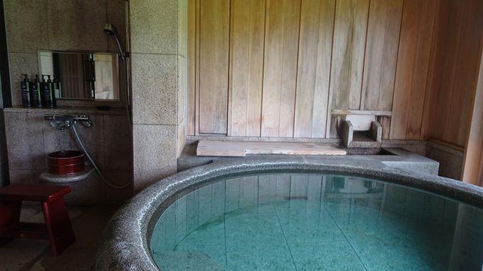角館の歴史の詰まった客室で源泉掛け流しの温泉を楽しむ