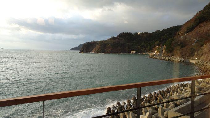 限定6室の客室は日本海一望のバルコニーをご用意