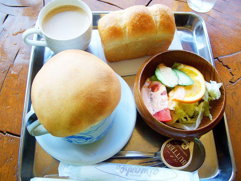 絶景に感動!志賀高原雲上レストラン「横手山頂ヒュッテ」