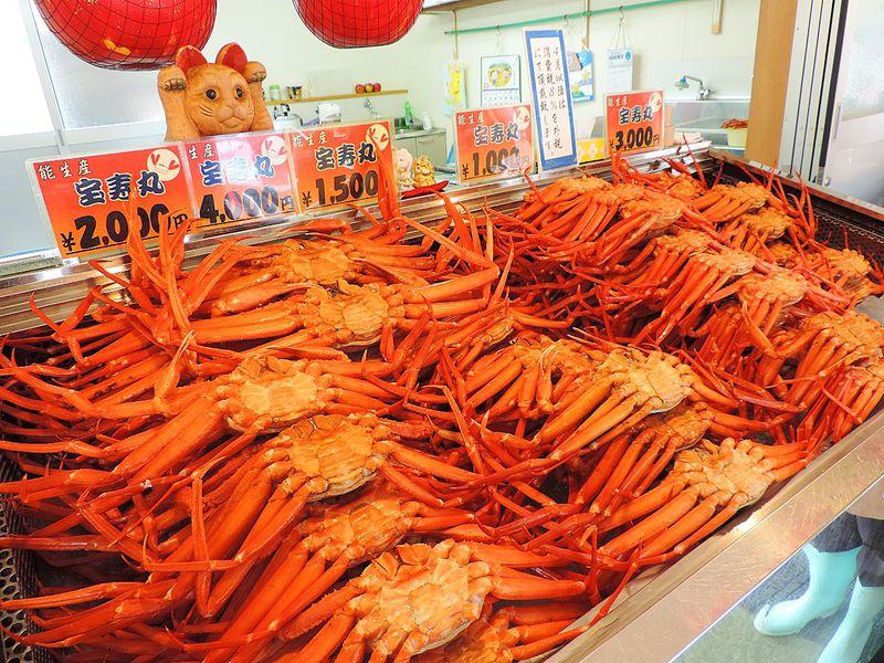 名物・紅ズワイカニの食べ比べも!新潟県「マリンドーム能生」