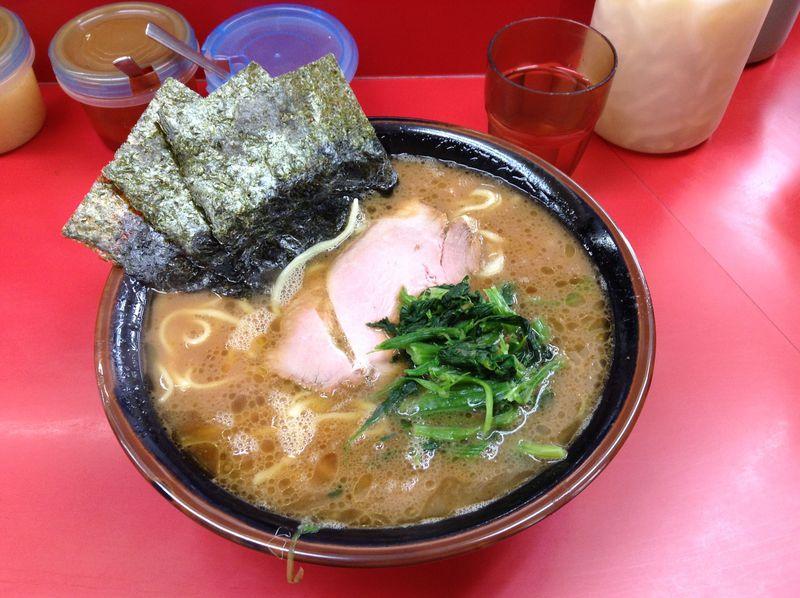 横浜市の杉田にある名店「杉田家」で激ウマの朝ラーを堪能する!