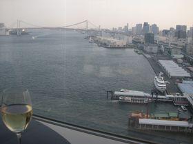 レインボーブリッジ一望のクラブラウンジが凄い!ホテルインターコンチネンタル東京ベイ|東京都|トラベルjp<たびねす>