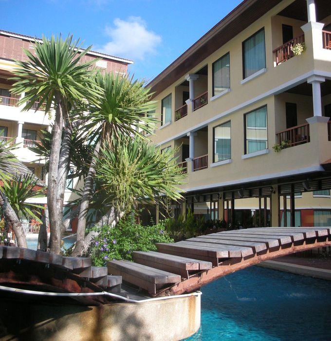 プーケット・パトンビーチにある邸宅のようなホテル