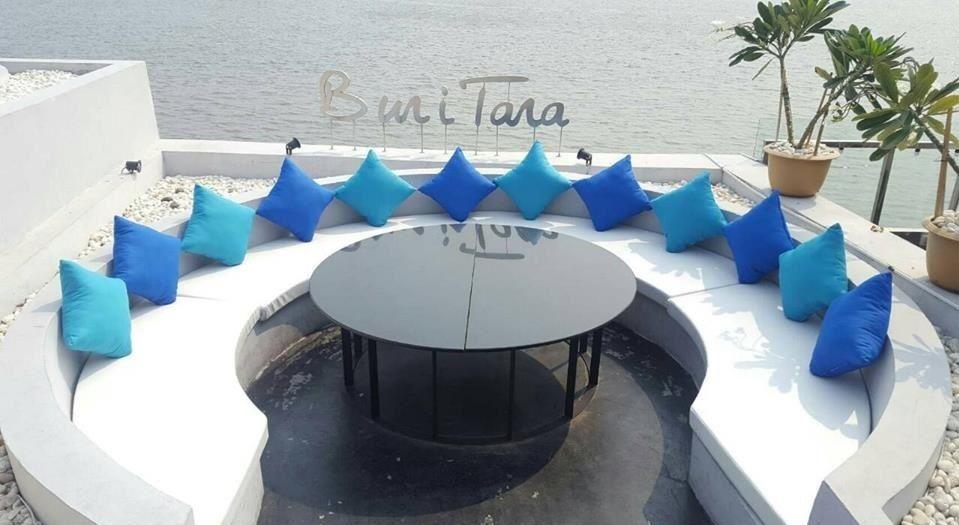 デートにパーティーに!タイ人の特別な時間を祝うリバーサイドレストラン「ブリタラ」