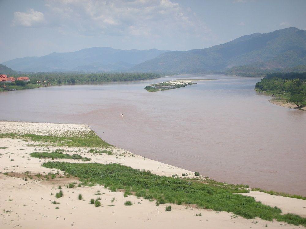 ミャンマー・ラオス・タイの国境ゴールデントライアングルとメコン川に圧倒される