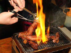 日本最大級の肉のテーマパーク「渋谷肉横丁」の超人気5店を食べ歩き!|東京都|トラベルjp<たびねす>