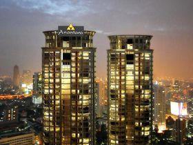 穴場のルーフトップバーが素敵!バンコクの絶景ホテル・アナンタラバンコクサトーンで夜景を独り占め♪