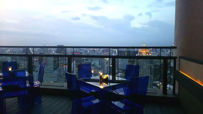 バンコクの有名高層ビルを見渡すサトーン側の席