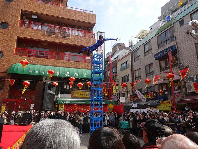 まずは南京町広場でお祭りムードを満喫!