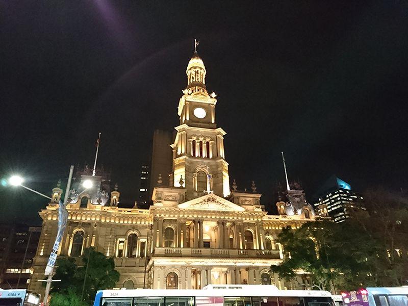 美しすぎる市庁舎