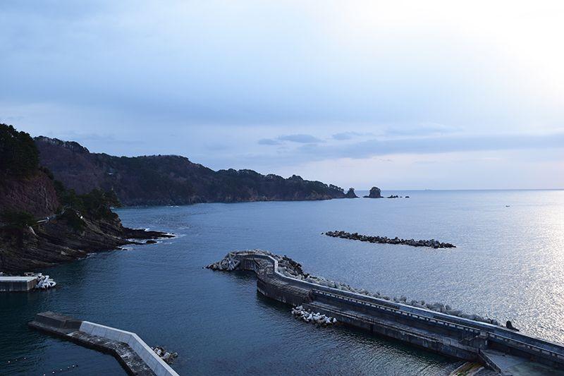 断崖絶壁と光り輝く海に感動