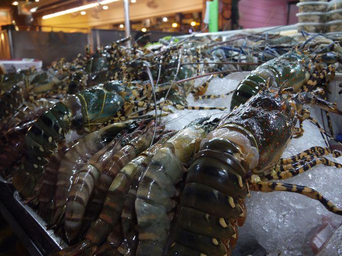 夜はホアヒンのナイトマーケットで美味しい海鮮を!