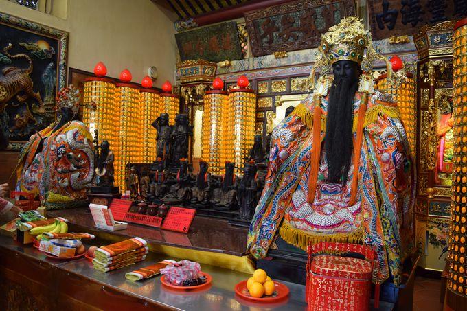 縁結び以外も!様々な神様が祀られている霞海城隍廟