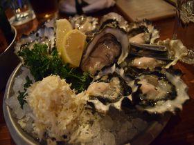 バンクーバーで新鮮な生牡蠣を!「ロドニーズ・オイスター・ハウス」