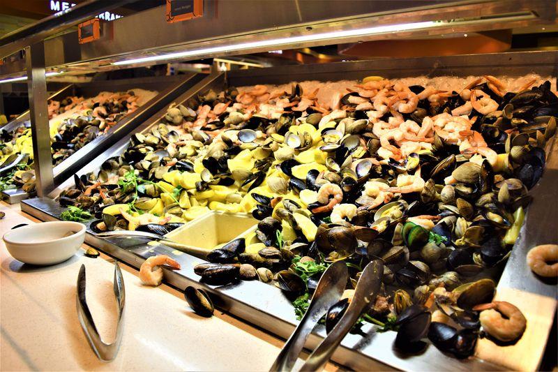ラスベガスで名物バフェを食べるなら「ARIA」で決まり! | アメリカ | LINEトラベルjp 旅行ガイド