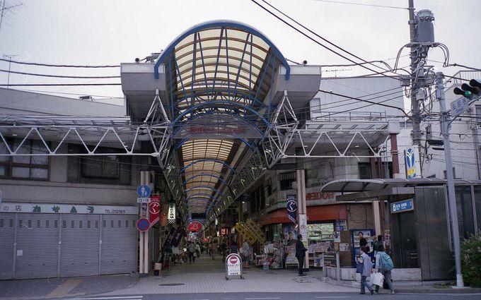 鎌倉街道沿いの歴史ある商店街