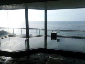 日本海一望の絶景風呂&鮭グルメ満喫!新潟・瀬波温泉「瀬波はまなす荘」|新潟県|トラベルjp<たびねす>
