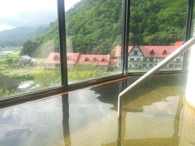 スキー場近くの2軒の温泉宿