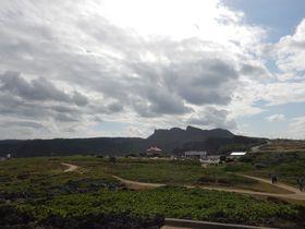 沖縄最北の聖地・安須杜を体感!やんばる国立公園「大石林山」|沖縄県|トラベルjp<たびねす>