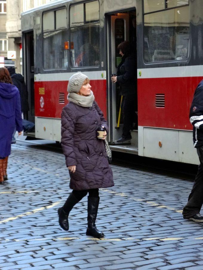 長い冬に耐えるチェコの人々