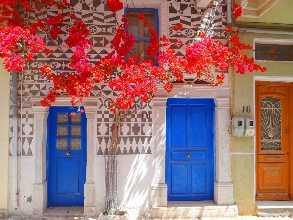 ギリシャ ヒオス島 〜 秘薬マスティハを守る、幾何学模様の村 ピルギ