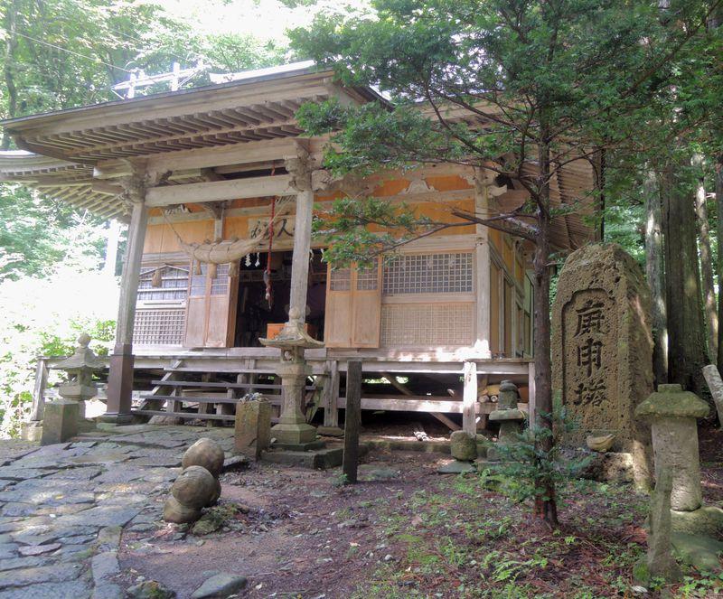仙人堂は源義経や松尾芭蕉も訪れた、歴史的な名スポット