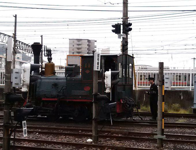 レアな坊ちゃん列車の方向転換が見られることも・・!