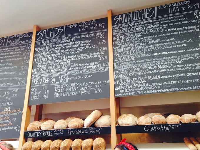 お酒も飲めるオーガニックカフェ、ハックルベリーカフェ&ベーカリー