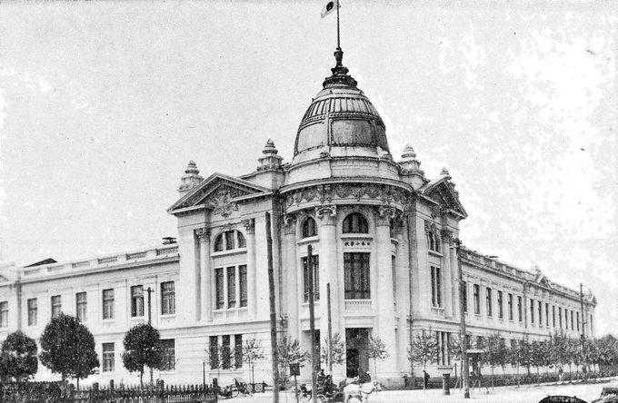 次は旧日本人学校「桃山小学校」
