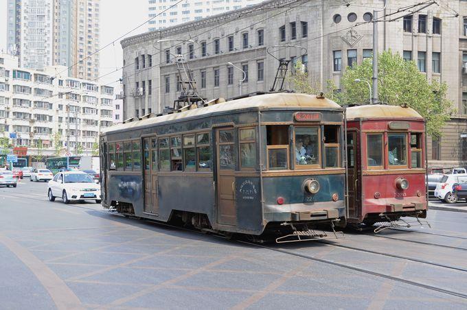 戦前の車両も活躍中!大連の路面電車
