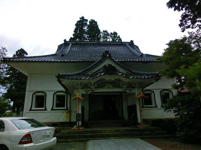 さすが喜多方!?本堂が蔵造りの安勝寺