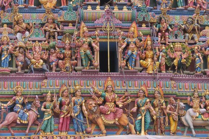 ヒンドゥー教寺院で異形の神と遭遇する