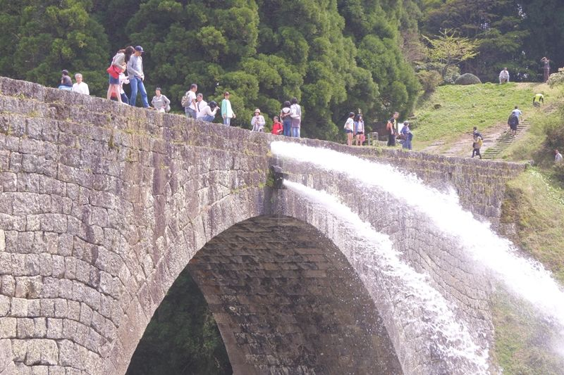 女子を誘って行きたい!熊本県「通潤橋」水と緑あふれるラピュタの森で手つなぎデート!
