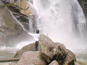 佐賀県唐津市「見帰りの滝」川遊びも楽しい清涼スポット!|佐賀県|トラベルjp<たびねす>