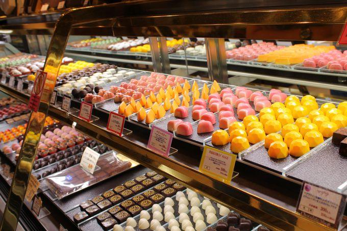 キラキラのトリュフチョコがまぶしか!本店「サロン・ド・ショコラ」