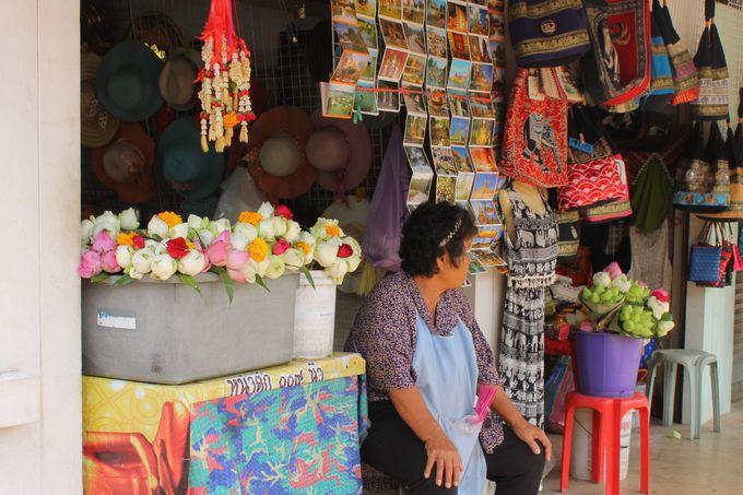 タイ雑貨ショッピングも楽しめる