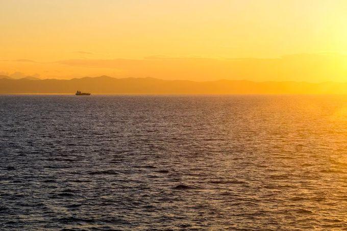朝焼けの海峡は、全てが絶景